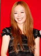 新ドラマ『Mother』(日本テレビ系)の制作発表会見に出席した、主題歌を歌うhinaco (C)ORICON DD inc.