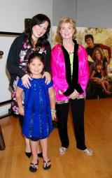 『生誕70周年記念 奇蹟のブルース・リー展』のプレミアイベントのために来日した(写真左から)娘のシャノン・リーさん、孫のレン・リーさん、妻のリンダ・リーさん (C)ORICON DD inc.