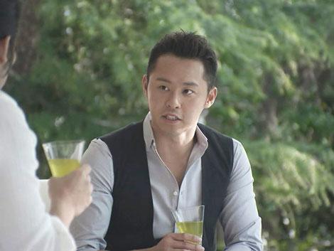 北島康介が真田広之と対談を繰り広げる『綾鷹』新CM