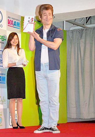 『エンジョイバイクアワード2010』を受賞したディラン・マッケイことなだぎ武 (C)ORICON DD inc.