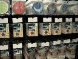 アキバに登場した『GUNDAM Cafe』の物販コーナーにはさまざまなグッズを用意 (C)ORICON DD inc. (C)ORICON DD inc.