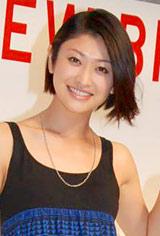ユニクロの商品『NEW!ブラトップ』発表会に出席した山田優