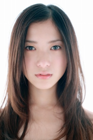 内巻き髪の吉高由里子