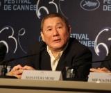 各国のマスコミの質問に応じる北野武監督 (C)Kazuko Wakayama