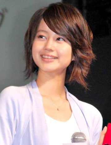 NTTドコモの『2010年夏 新商品・新サービス』発表会に出席した堀北真希 (C)ORICON DD inc.
