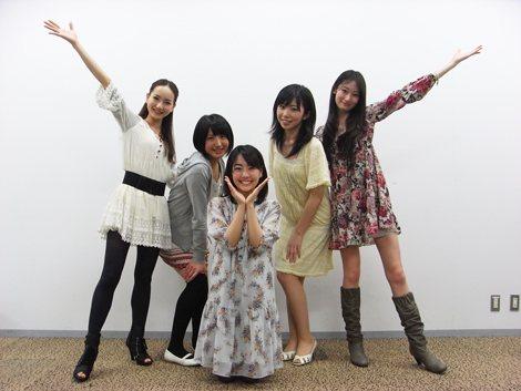 同イベントに登場する日本の「カワイイ天使」(左から辻本舞、神定まお、うえむらちか、天野さおり、矢部裕貴子)