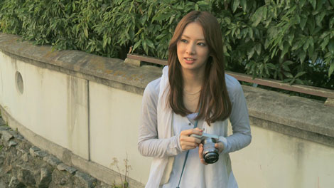 北川景子がカメラで撮影する様子を切り取った限定ムービー/『α』(ソニー)Webサイト