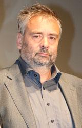 映画『アデル ファラオと復活の秘薬』のプレミア試写会で舞台あいさつを行ったリュック・ベッソン監督