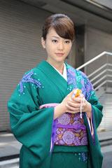 テレビ朝日系ドラマ『女帝 薫子』で着物姿を披露した桐谷美玲