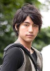 ウルトラマンゼロと一体化する少年ラン役で主演する小柳友
