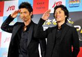 「EXILE山手線 出発式」に出席したEXILEの(左から)MAKIDAI、TETSUYA