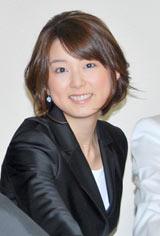 フジテレビ系列『FNN踊る大選挙戦2010』の記者発表に出席した秋元優里アナウンサー