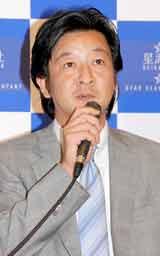 新会社・星海社の発足発表会見に出席した講談社の野間省仲代表取締役副社長