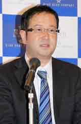 新会社・星海社の発足発表会見に出席した新会社の杉原幹之助代表取締役社長