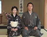 『龍馬伝』初の鹿児島ロケ敢行、仙巌園の茶室で行った会見に出席した福山雅治(右)と真木よう子