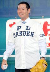 『熱闘甲子園30th展』のオープニングイベントにPL学園時代に着用したユニフォーム姿で登場した桑田真澄氏