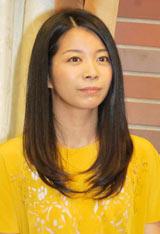 舞台『さくら色 オカンの嫁入り』の制作発表会見に出席した三倉佳奈
