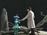 水玉模様の可愛らしい宇宙人の女の子とのふれあいを描いた新CM