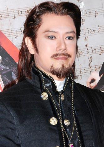 ミュージカル『モーツァルト!』の会見に役衣装で出席した山口祐一郎 (C)ORICON DD inc.