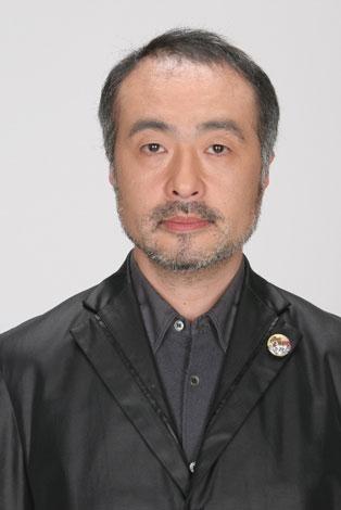 岡本太郎さん役の松尾スズキ