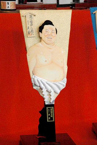 2010年『変わり羽子板』のモデルに選ばれた白鵬 (C)ORICON DD inc.