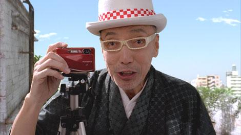 新メンバーのテリー伊藤が登場する『屋上新年会・フォトブック』篇