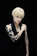 ドラマ『カルテット』(MBS・TBS系)で全身タトゥー姿を披露する福田沙紀 (C)「カルテット」製作委員会/毎日放送