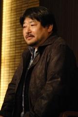 17日、受賞会見に出席した第144回芥川賞受賞作家・西村賢太さん (C)ORICON DD inc.