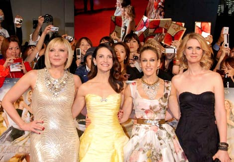 最低主演女優賞にまとめてノミネートされた『SATC2』に出演の(左から)キム・キャトラル、クリスティン・デイビス、サラ・ジェシカ・パーカー、シンシア・ニクソン(2010年6月1日撮影) (C)ORICON DD inc.