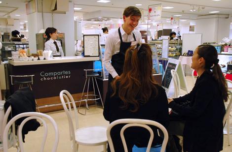 西武渋谷店のバレンタインフェアコーナー内にある「姫チョコカフェ」 (C)ORICON DD inc.