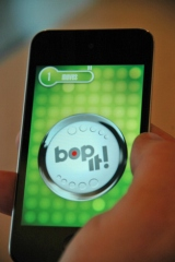 『bop It!』(EA Games)