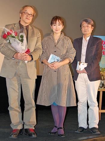 映画『世界のどこにでもある、場所』トークショーイベントに参加した(左から)大森一樹監督、斉藤由貴、かしぶち哲郎 (C)ORICON DD inc.