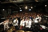 MONOBRIGHTのライブイベント『サンQue!! DO10!! 攻約宣言! 1周年感謝祭!!』に登場した吉高由里子