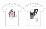 アパレルメーカー・ワールドが展開している東日本大震災のチャリティーTシャツ(左:UNTITLED、右:TAKEO KIKUCHI)