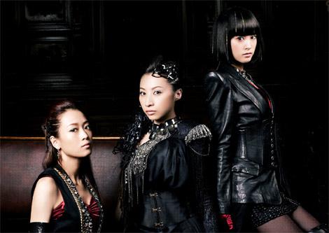 Kalafina(左からWakana、Hikaru、Keiko)