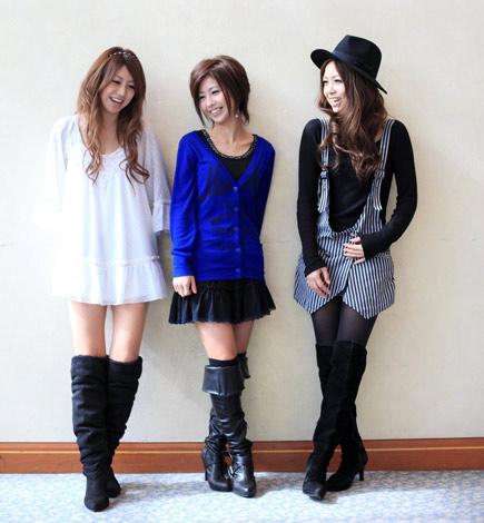8月に1ヶ月限定で再結成するZONE(左からTOMOKA、MAIKO、MIYU)