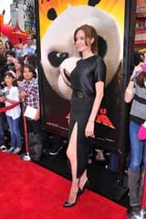 3Dアニメ映画『カンフー・パンダ2』のプレミアイベントに登場したアンジェリーナ・ジョリー