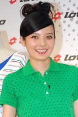 """『第3回 女性が選ぶ""""イイ女""""ランキング』8位のベッキー (C)ORICON DD inc."""