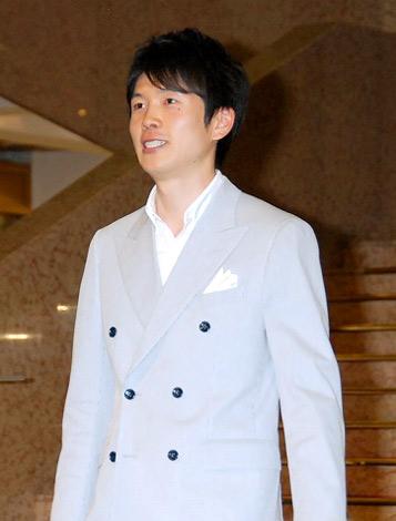 『スーパークールビズ』ファッションショーに登場したTBS・井上貴博アナウンサー (C)ORICON DD inc.