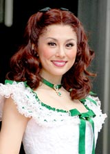 舞台『風と共に去りぬ』のイベントに出席した米倉涼子