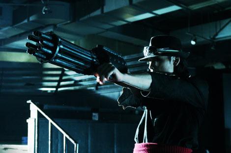 映画『極道兵器』7月23日(土)より銀座シネパトスほか全国順次公開 (C)2010 KEN ISHIKAWA/Dynamic Planning-YAKUZA WEAPON Film Partners