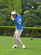 『アクエリアス』の新CMでゴルフにチャレンジする北島康介選手 (C)ORICON DD inc.