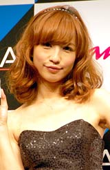 『Best Kisser of the year 2011』発表会に出席した優木まおみ