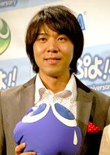 ニンテンドーDS用ソフト『ぷよぷよ!!』のCM完成披露会に出席したロッチ・コカドケンタロウ