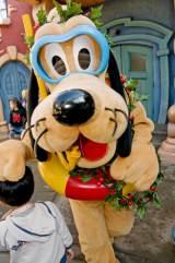 東京ディズニーリゾートがクリスマス企画を発表(写真はTDL『キャラクターグリーディング』) (C)Disney
