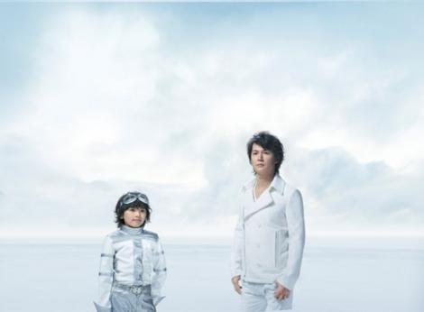 『ダンロップ』の新CMで初共演を果たした福山雅治(右)と濱田龍臣(左)