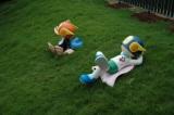 庭にはパーマンが寝転ぶ