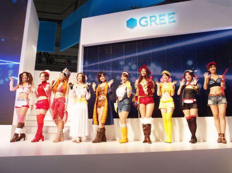 『東京ゲームショウ2011』、GREEブースではアプリをイメージしたコンパニオンが登場