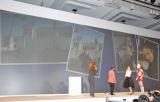 ソフトバンクモバイル新商品発表会の模様 ゲスト出演した上戸彩が撮影した写真を使いプレゼンも (C)ORICON DD inc.