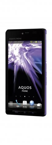 29日、ソフトバンクが発表した秋冬製品『AQUOS PHONE 102SH』